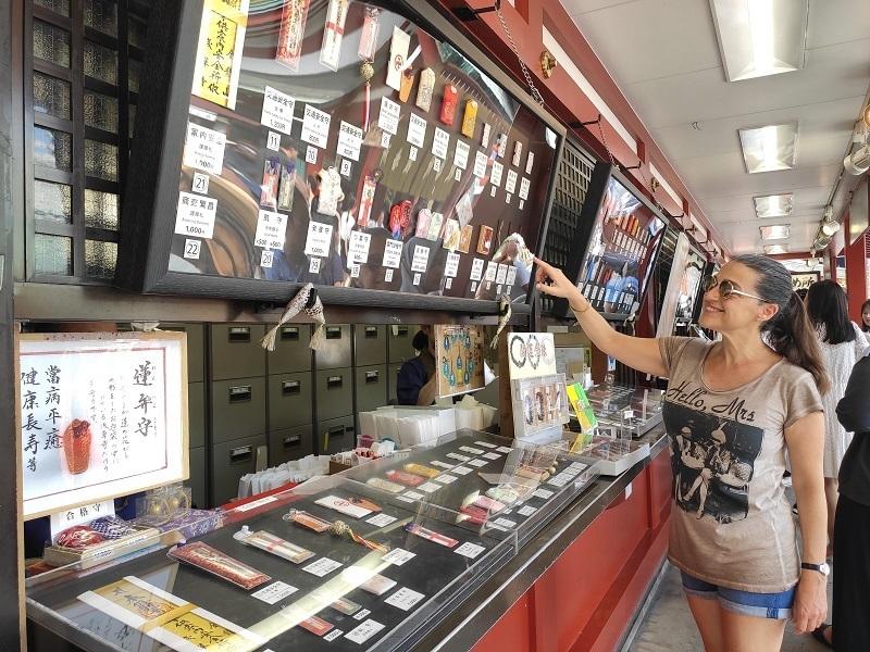 tienda de amuletos Asakusa